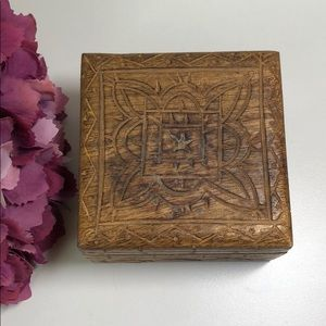 Vintage Carved Wood Hinged Trinket Box Brown